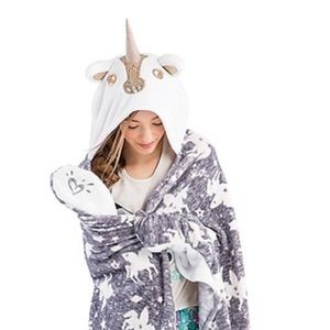 Justice brand Unicorn hooded blanket